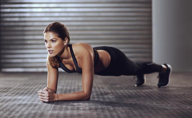 女性はこの方法で腹筋を割るべし。メリットや効果的なコツを公開