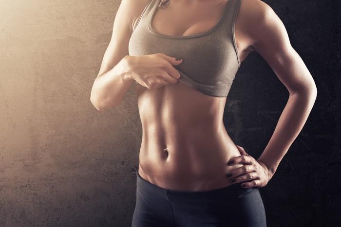 腹筋女子のインスタ画像まとめ。必見筋トレ女子やおすすめのハッシュタグ