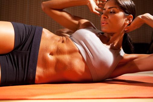 腹筋が筋肉痛にならない理由と対処法【筋肉痛を治す方法も公開】